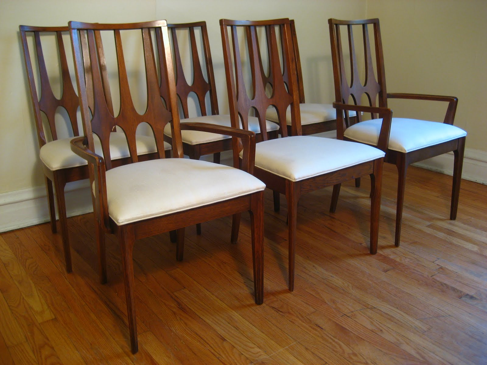 flatout design: Broyhill Brasilia Dining Chairs