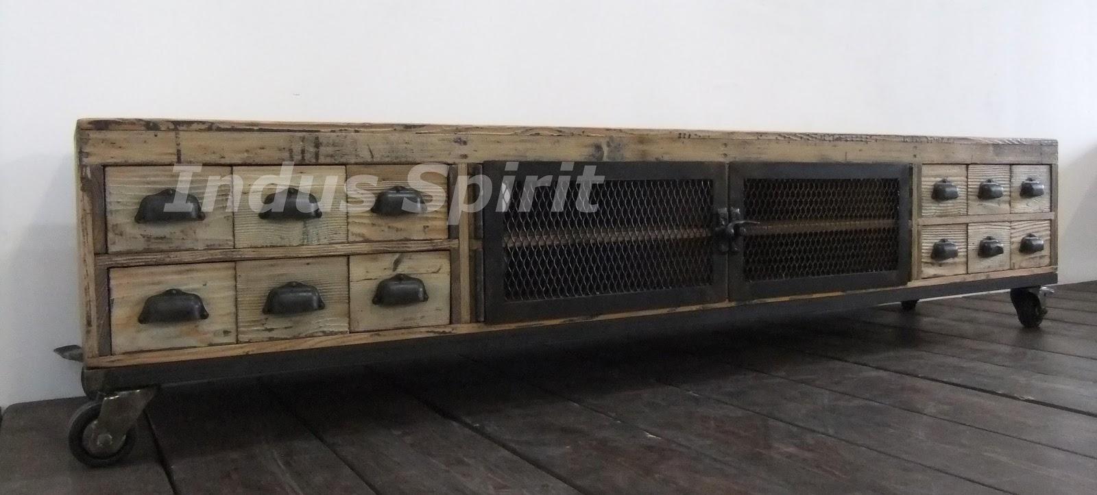 meuble tv industriel bois et m tal. Black Bedroom Furniture Sets. Home Design Ideas