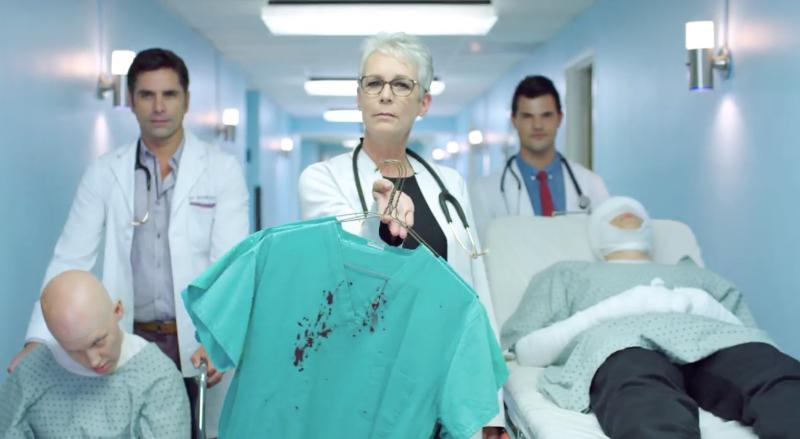 Jamie Lee Curtis John Stamos y Taylor Lautner como médicos en Scream Queens