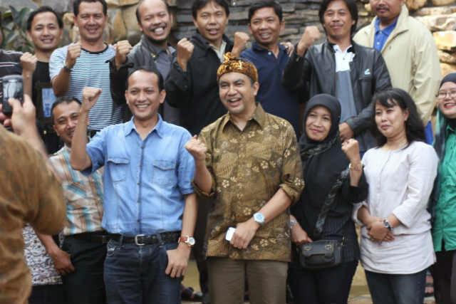 Eka Gumilar Ajak Bergerak untuk Mencerahkan Rakyat yang Masih Mabuk Pencitraan