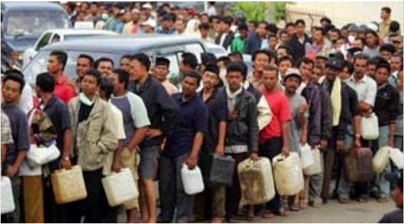 Tunda Kenaikan Harga BBM, Fahri: Pemerintah 'Kelewat Caper' ke Rakyat