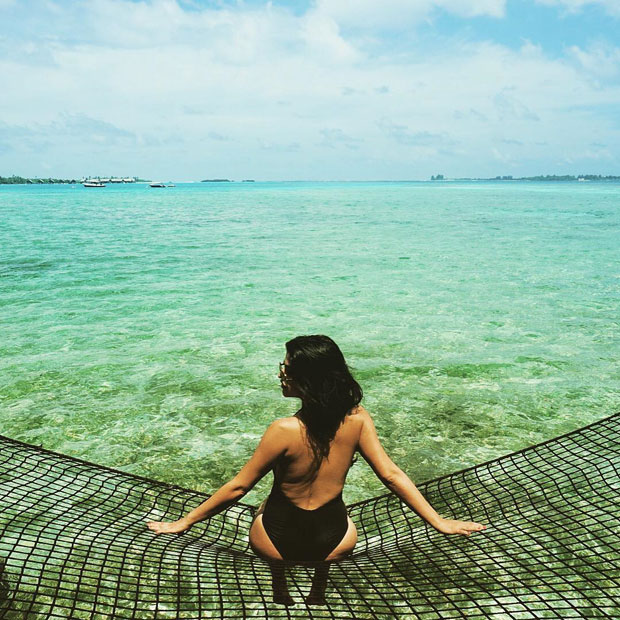 Shenaz Treasury poses sexily on a fishing net in Maldives: HOT!