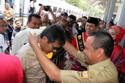 Gubernur Sumbar : Pariwisata Pariaman diuntungkan dengan adanya Angkutan Masal Kereta Api