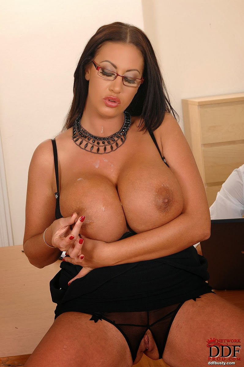 Are not english girls big tits 1 think