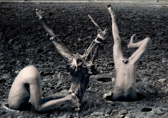 Sodoma e Gomora ficaram calcinada pela catástrofe do Evento Geofísico - Imagem do artista Alessandro Bavari