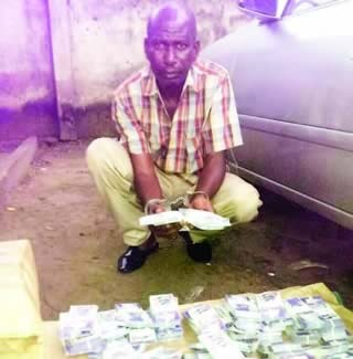 Notorious Suspect with Fake Currencies Escapes from Police as Search for Him Continues (Photo)