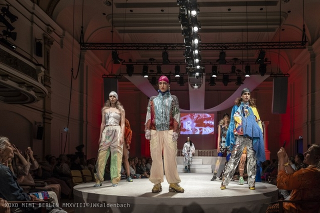 Artez Graduation Show 2018 fashion design Masters backstage catwalk modeshow blog freelance model
