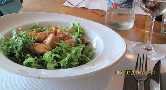 Salata thai calda cu pui (meniu restaurant Noir)