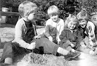 Wilbee sisters, 1961