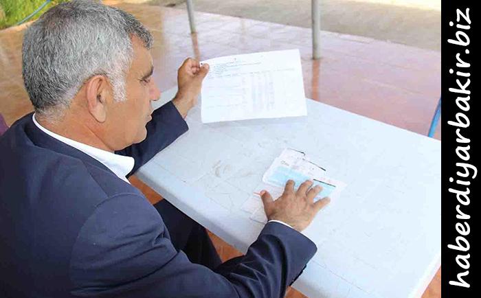 DİYARBAKIR- Diyarbakır-Mardin Karayolu üzerindeki bir yediemin otopark işletmecisi Esat Güngörür, son bir ay içerisinde işletmesine geriye dönük 6 aylık 14 bin TL'lik fatura çıkarıldığını, bu durumu kabul etmediğini belirtti.
