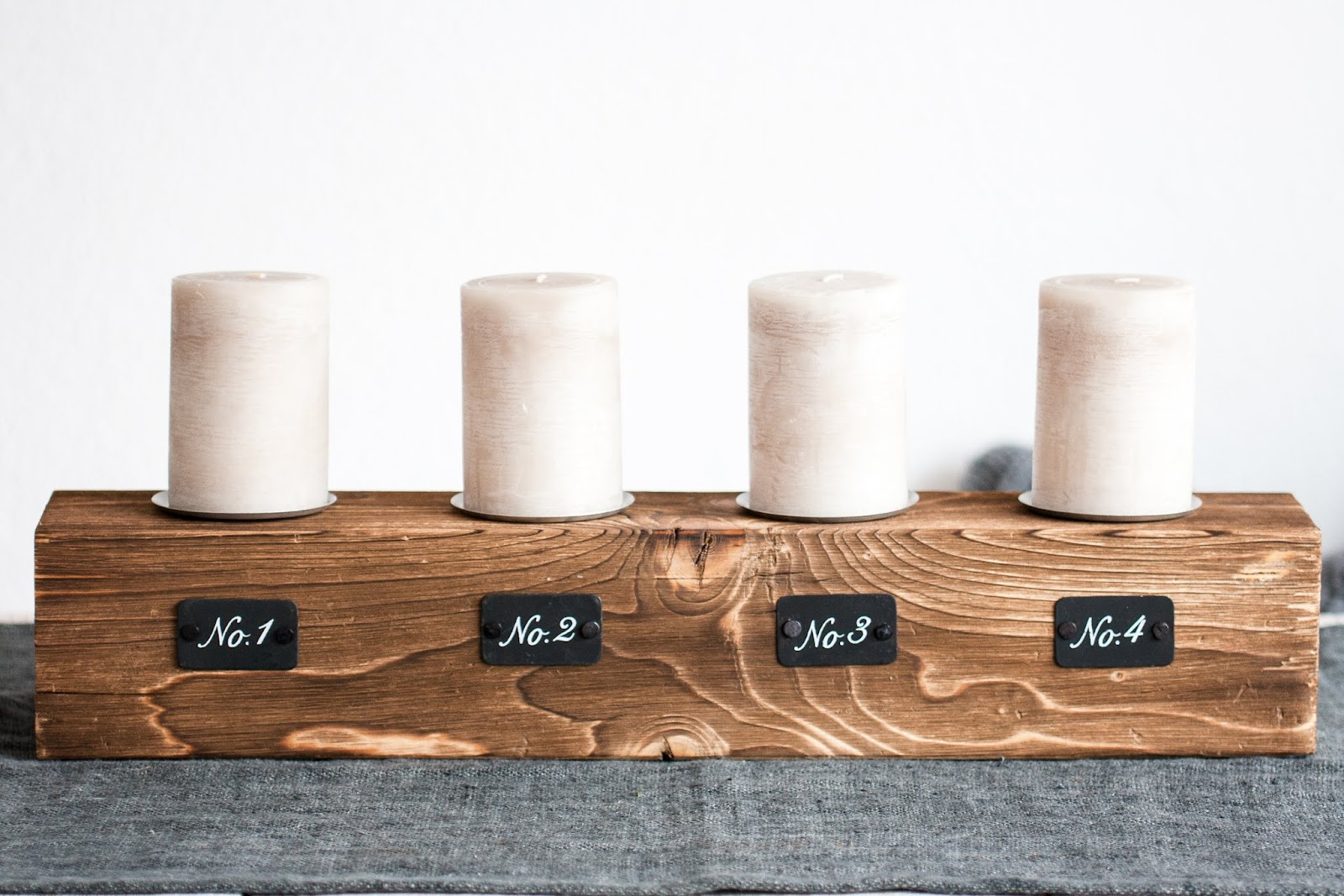 rums mit adventskranz alternativen und lecker bananenbrot pomponetti. Black Bedroom Furniture Sets. Home Design Ideas