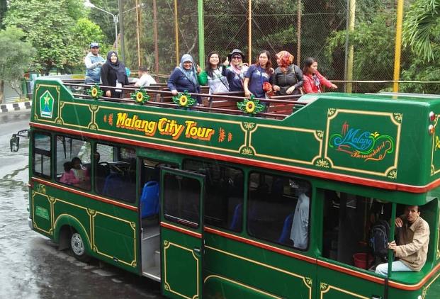 Bus MaCyTo Malang