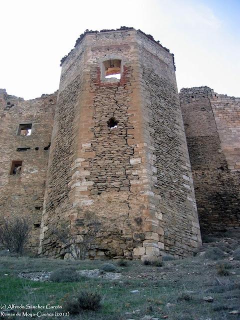 ruinas-moya-torreon-iglesia-san-bartolome