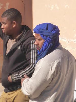 Mann mit blauem Turban