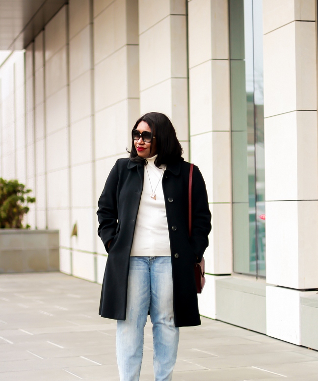 How to Wear Distressed Jeans Plus Size