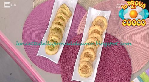Tegolino alla nocciola e pistacchio ricetta Ragona da Prova del Cuoco