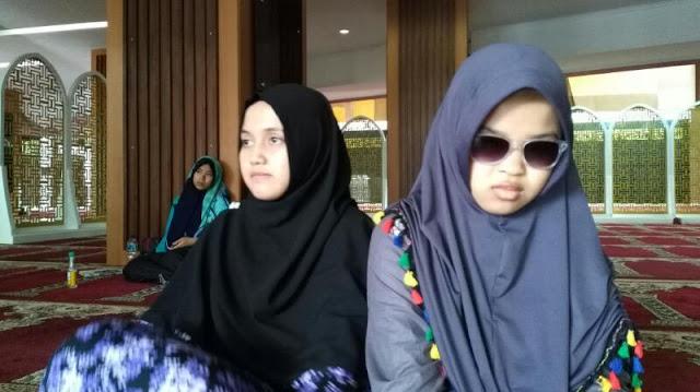Keterbatasan Penglihatan, Hafidzah Ini Motivasi Remaja Normal Agar lebih Mencintai Al-Quran