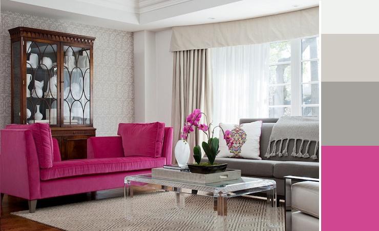 Decoração de sala com detalhes e sofá em pink