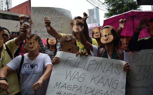 Người dân dùng hình ảnh gấu Pooh để chế giễu ông Tập Cận Bình