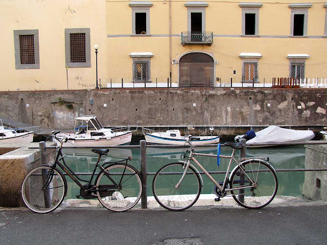 Bicycles and boats, scali Rosciano, Livorno