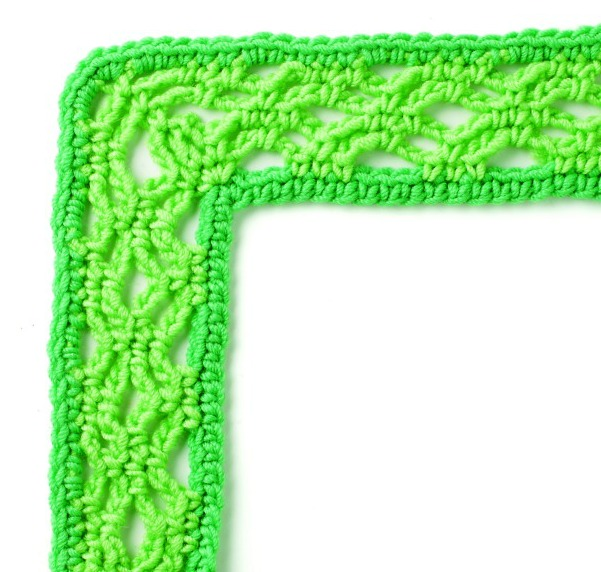 """Every Which Way Crochet Borders"" Book Review + Bonus Crochet Border Free Pattern on My Hobby is Crochet Blog"