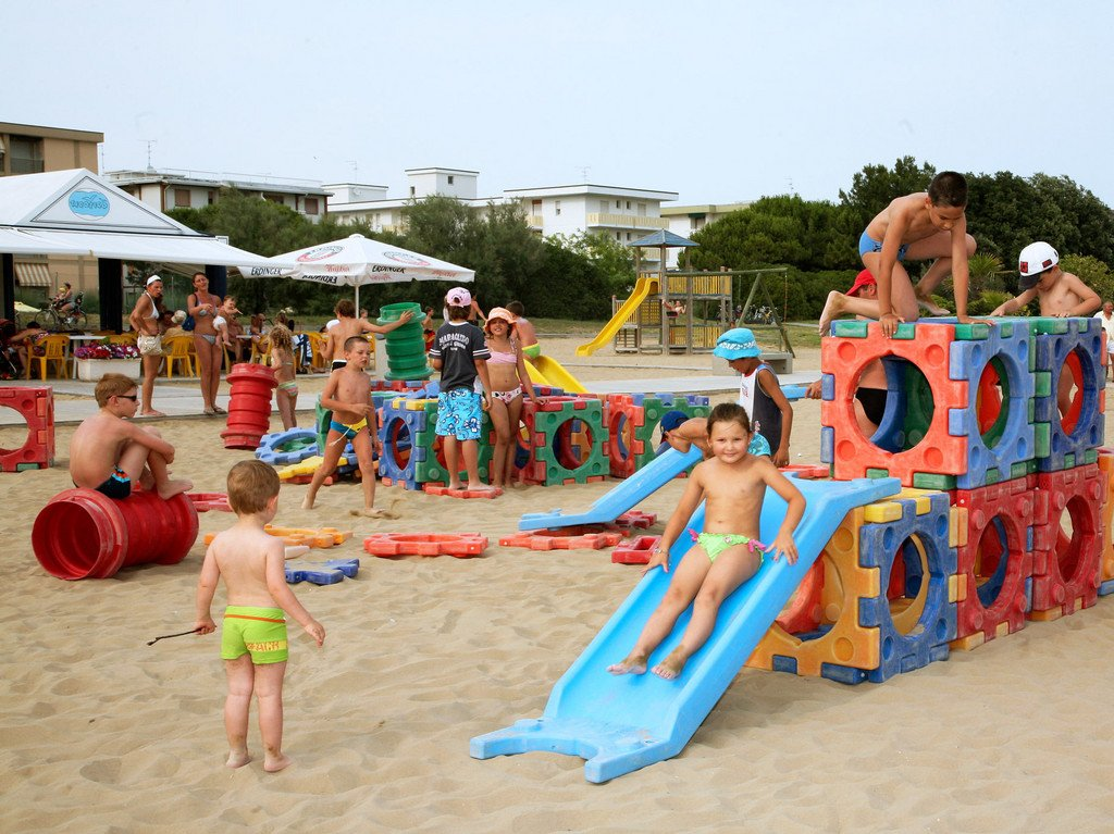 Hotel Las Vegas, Bibione | Italy - A Perfect Holiday Choice for Families - children's mini club on the beach