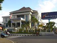 Bank Jateng - Recruitment For D3, S1 Fresh Graduate, Experienced Officer, Head, Manager Bank Jateng June 2017