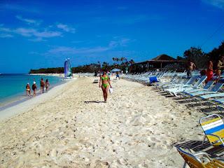 Playa Punta Francés, México, France, Québec, Canada