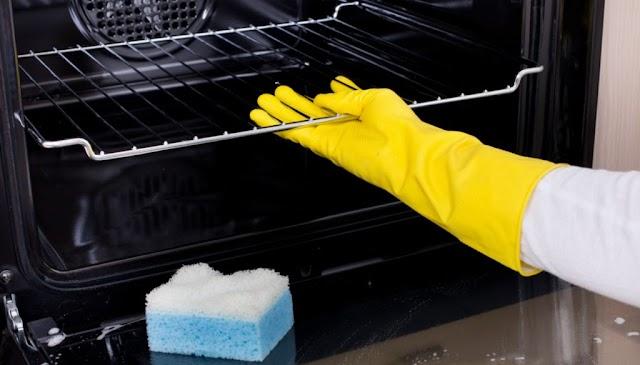 Φυσικό καθαριστικό φούρνου