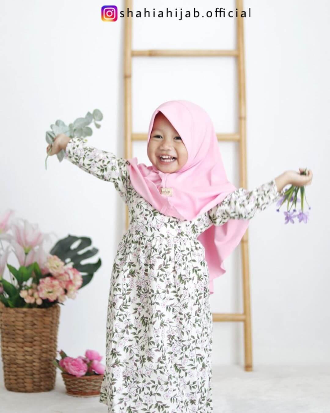 gamis anak motif bunga dari Shahia Hijab