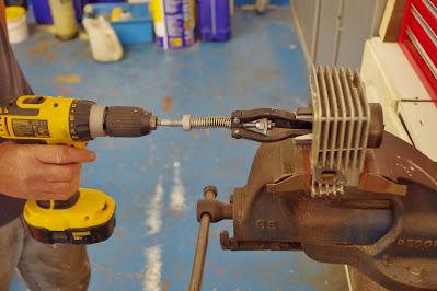Honda CBR 125 R Cylinder honing glaze busting