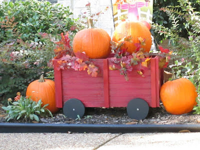 DIY-How to make-wagon-decorating-Fall-outdoors-project-athomewithjemma