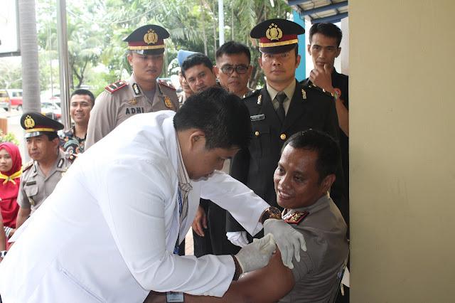 Polres Kepulauan Seribu Adakan Vaksinasi