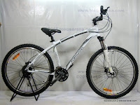 A 26 Inch Forward Abramo 1.0 HardTail Mountain Bike