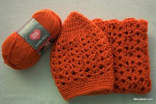 Lovely Wool fonal, és a belőle készült sapka-sál