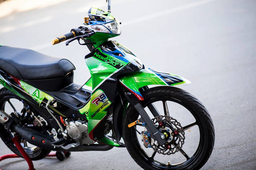 Sơn tem đấu xe Yamaha Z125 cực đẹp
