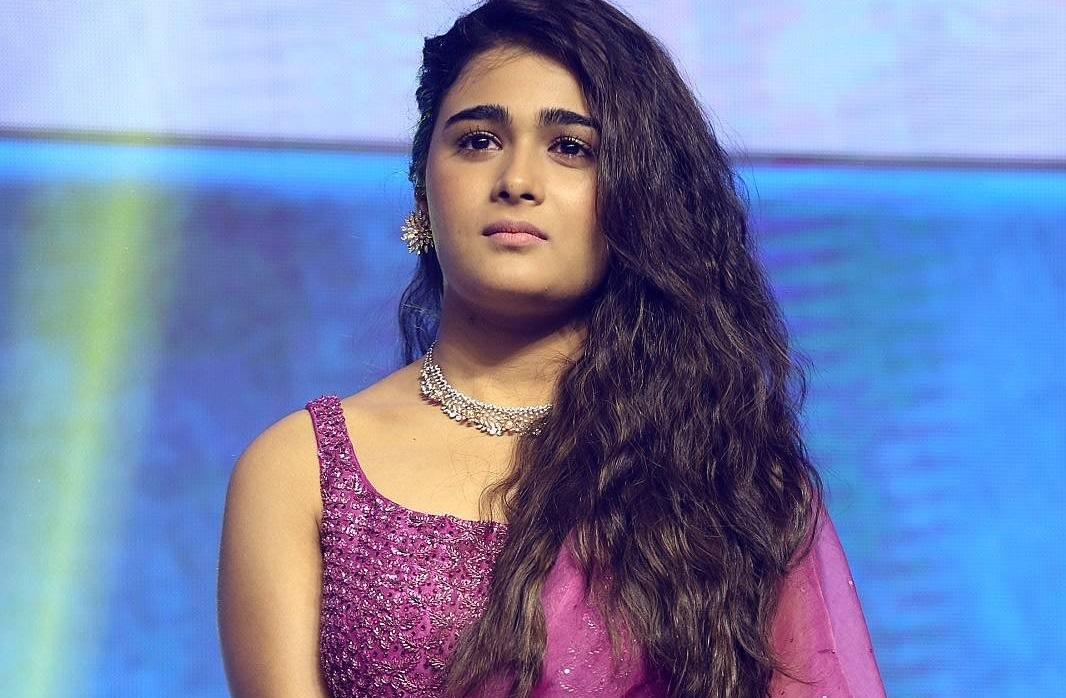 Shalini Pandey @ 118 Telugu Movie Pre Release Event Photos