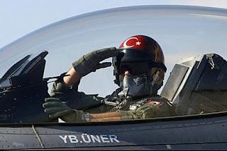 Pilot Pesawat Tempur Turki