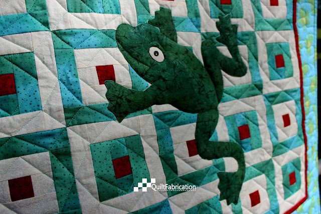 Hoppy green quilt closeup