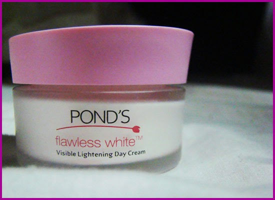 Review: Pond's Flawless White Visible Lightening Day Cream