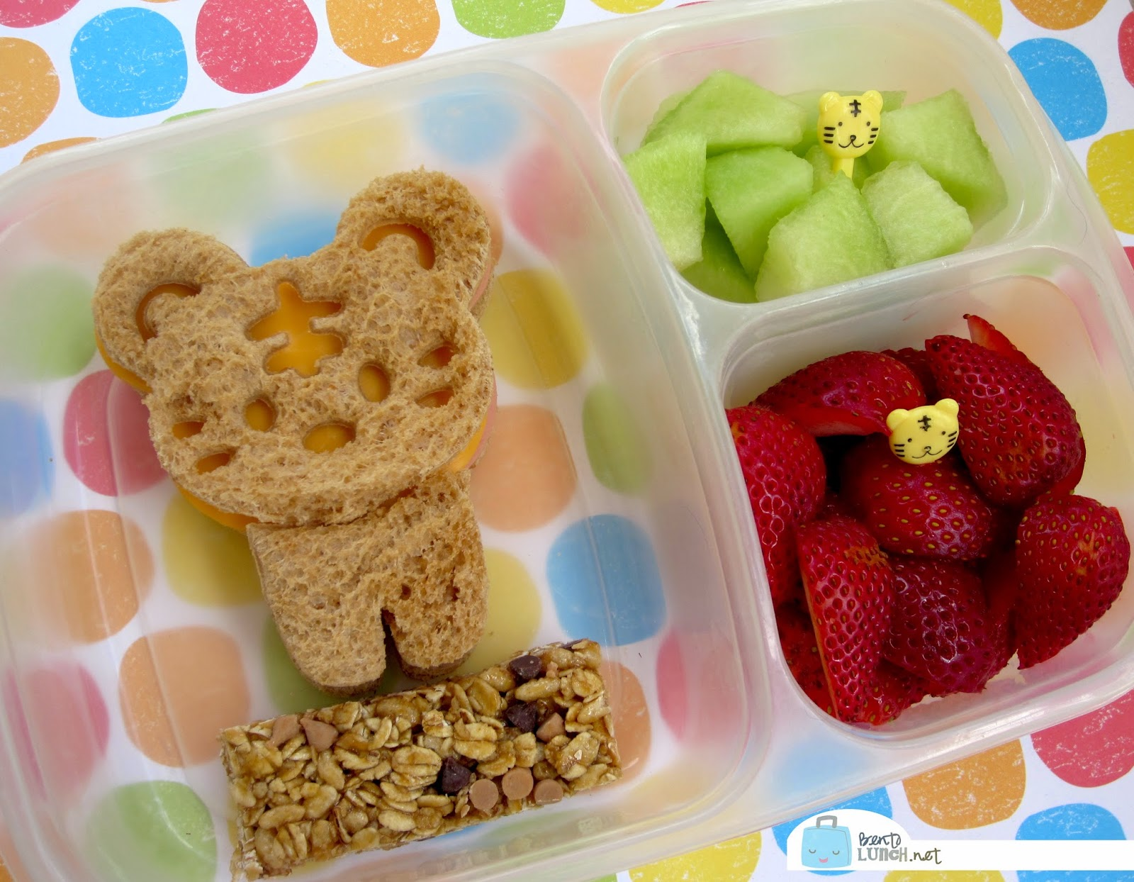 Cuddle Palz from CutezCute Bento in EasyLunchboxes