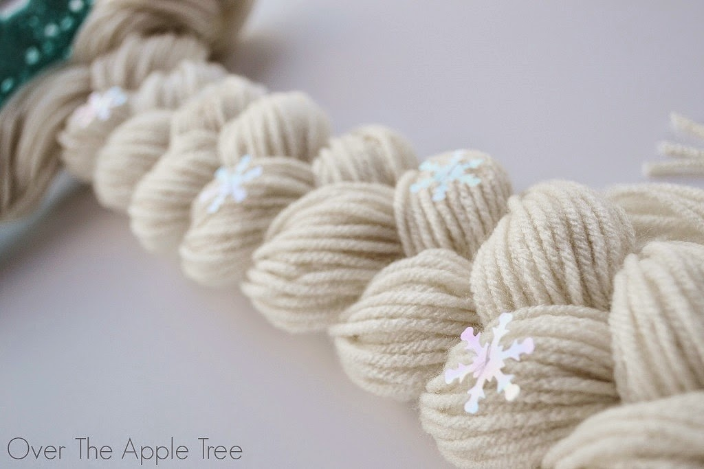 Crochet Elsa Hair : Crochet Elsa Crown With Hair, free pattern >> Over The Apple Tree