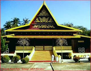 Gambar-Rumah-Adat-Riau