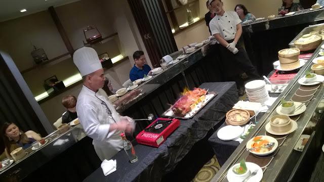 火焰烤乳猪