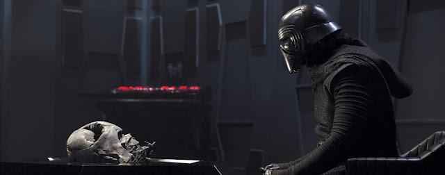 Star Wars The Force Awakens: Rămăşiţele lui Darth Vader şi Kylo Ren