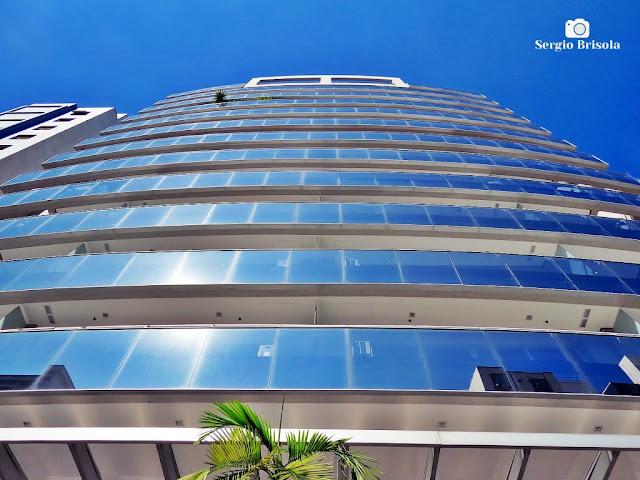 Perspectiva inferior da fachada do Edifício Portland Commercial - Santa Cecilia - São Paulo