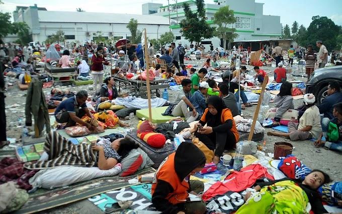 Terremotos e tsunami mataram quase 400 pessoas na Indonésia