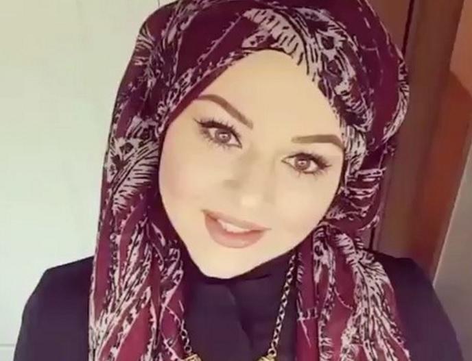 hijab style cette vid o va vous aider apprendre comment mettre le foulard islamique moderne. Black Bedroom Furniture Sets. Home Design Ideas