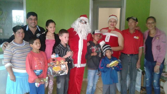 Natal Solidário da Rádio Princesa entrega brinquedos para crianças de Roncador