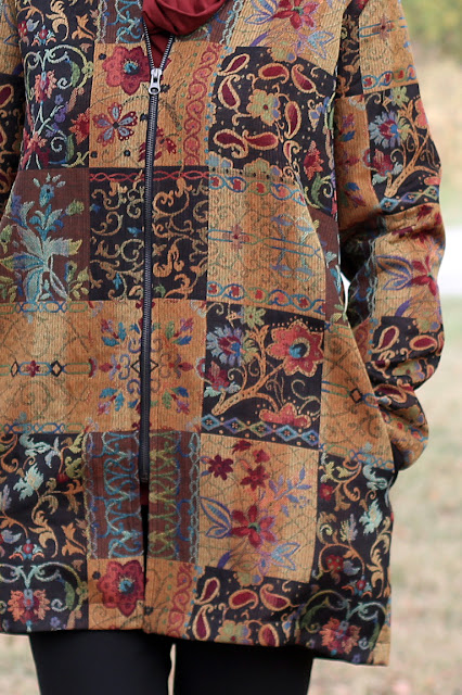 Style Maker Fabrics' Fall 2017 Style Tour - Patchwork Jacquard made into Vogue 9275 - pattern matching for center front zip